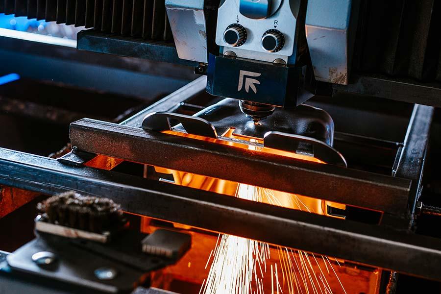 Laserski rezalnik pločevine